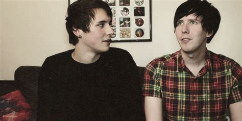 youtube layout gif dan looking at phil animated gif 3943791 by rayman on