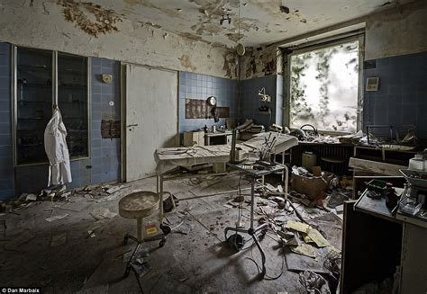scary rooms photographer daniel marbaix s photos of doctor s deserted mansion in germany daily mail