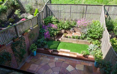 Garden Level by Edinburgh Gardening Design Hillhouse Lempsink Garden Design