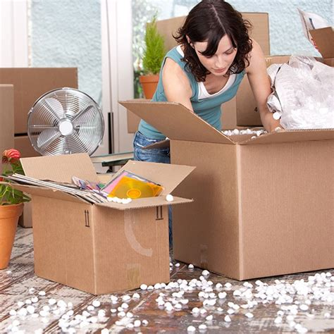 Moving Greet Fashion House 8 ways to make moving house easier moving day tips housekeeping
