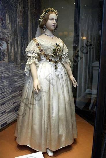 hochzeitskleid der queen hochzeitskleid queen victoria frisuren