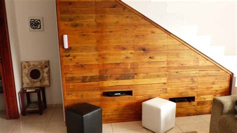 stair pallet tv panel wall storage easy pallet ideas