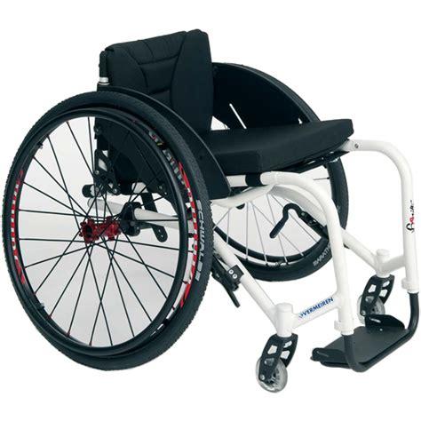 sedie a rotelle superleggere sedia a rotelle carrozzina sagitta superleggera