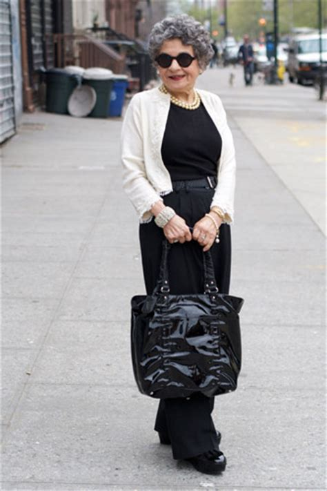 70 yr old fashions for dresses for women over 70 stylish looks