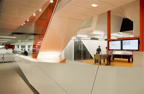Tech Office Pictures | cool startup tech office of the week kayak