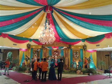 Dekorasi Pajangan Maitreya Duduk Hijau paket rias pengantin dekorasi slayer gedung