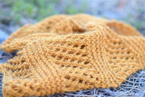 summer knitting honeycombs summer easy scarf knitting pattern in a