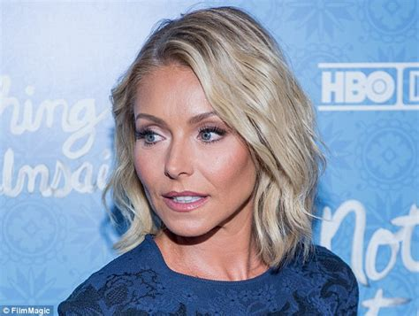 seriously i m no kelly ripa but i cut my hair similar 1000 images about kelly maria ripa the total woman on