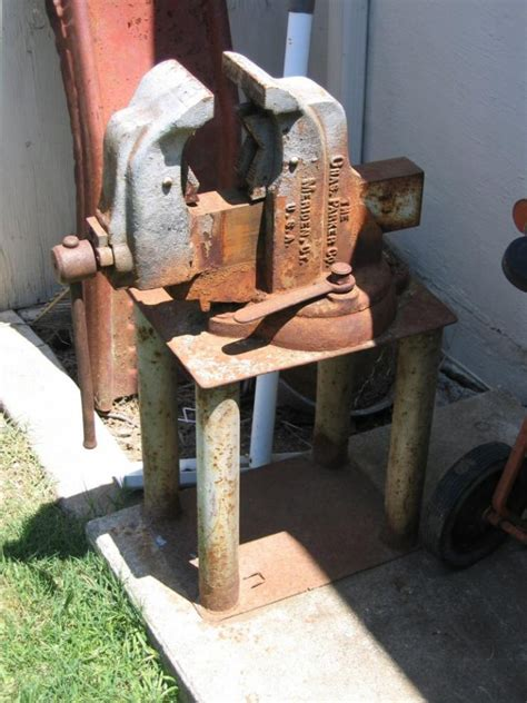 large bench vice found a big old bench vise page 3