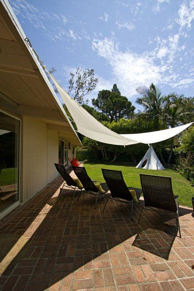 triangular awning outdoor 1000 images about backyard shade ideas on pinterest