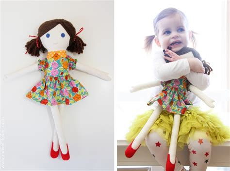 Handmade Doll Tutorial - free fabric doll pattern and tutorial on makeit loveit