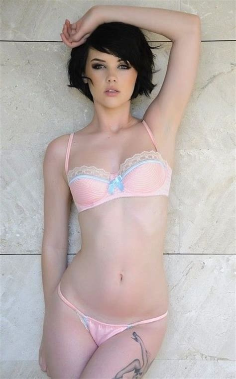 hot short haired girls 17 best images about short hair on pinterest winona