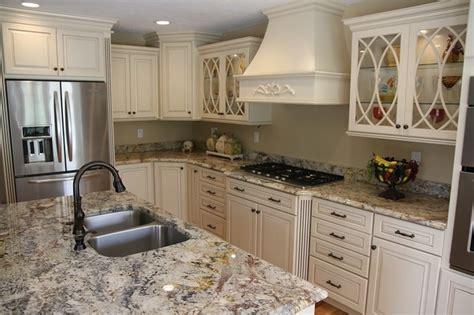 Biscotti Kitchen Cabinets Kraftmaid Montclair Maple Biscotti W Cocoa Glaze