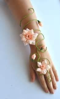 bridesmaid corsage 10 bridesmaid bouquet alternatives wedding bouquets ideas mazelmoments