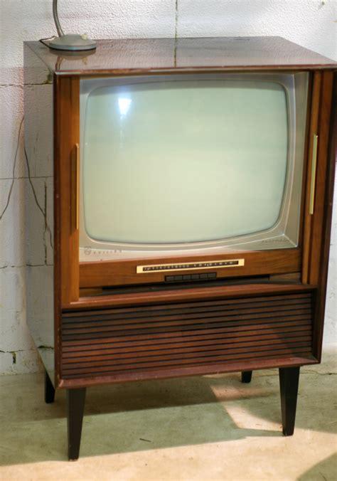jaren 60 meubels retro vintage philips automatic jaren 60 tv meubel