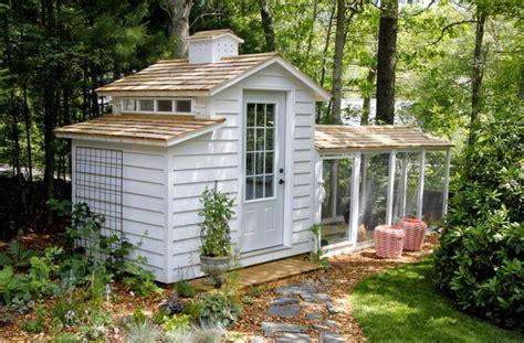 set   hen house