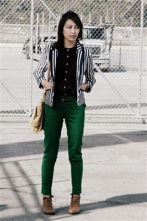 brown green shirt pi