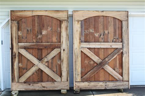 How To Build A Rustic Barn Door Headboard Old World Build A Barn Door Plans