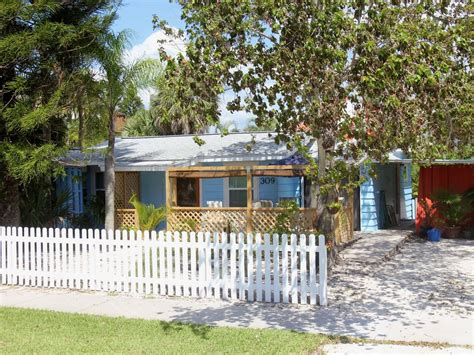 cottages siesta key siesta key blue cottage from 96 per vrbo