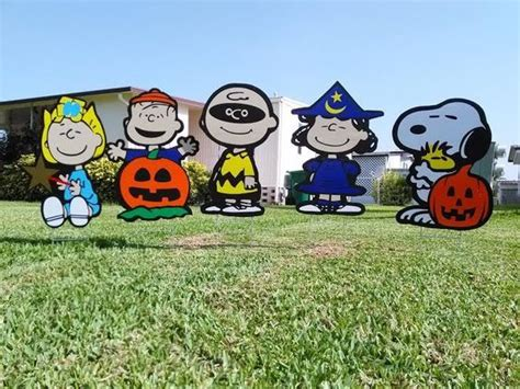 charlie brown gang outdoor peanuts sally brown snoopy linus decorations combo peanuts