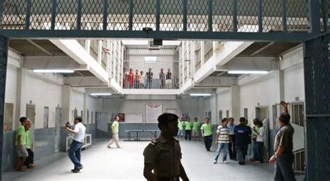 Lp Gantung tahanan narkoba lp kerobokan tewas gantung diri okezone news