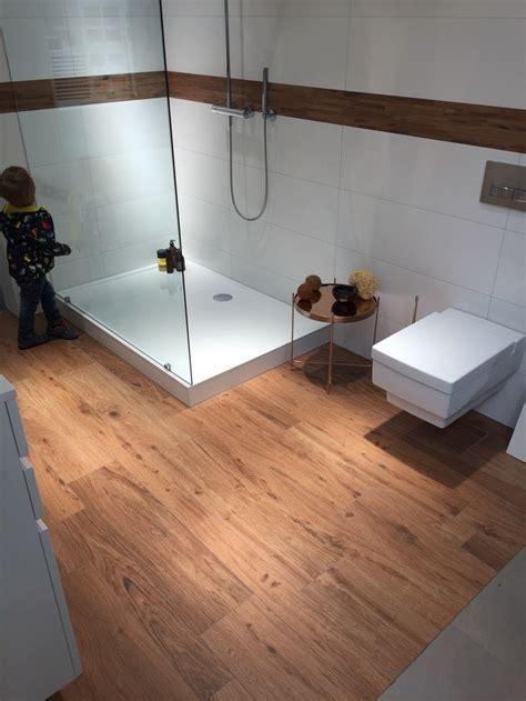 badezimmer ideen holzfliesen die besten 25 bad holzfliesen ideen auf