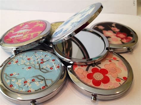 handmade custom doublesided compact mirrors by glassology