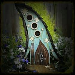 Handmade Birdhouses And Feeders - 15 whimsical handmade birdhouse and feeder designs to