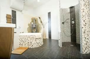 badezimmer mit mosaik badezimmer fliesen gestalten
