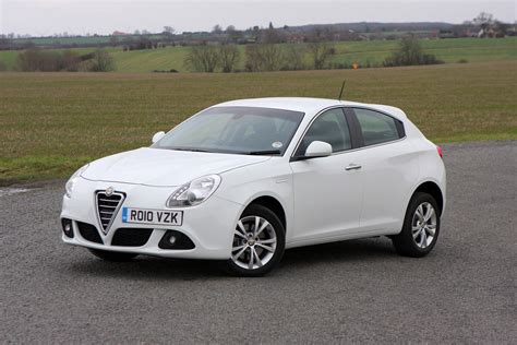 2010 Alfa Romeo Giulietta by Alfa Romeo Giulietta Hatchback Review 2010 Parkers