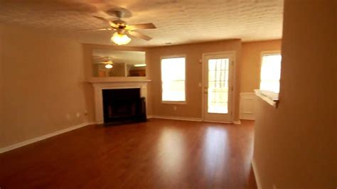 3 Bed 3 Bath For Rent by 1025 Per Month 3 Bedroom 2 5 Bathroom Townhouse For