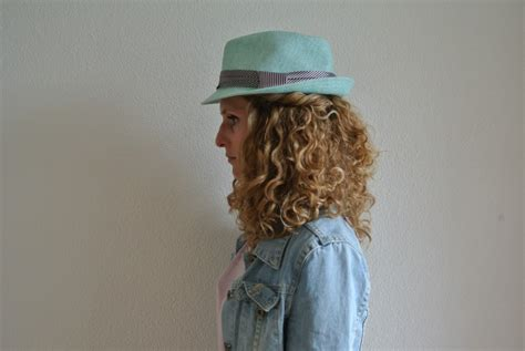 Hairstyles For Hats Curly Hair by Curly Hair And Hats Best Curly Hair 2017