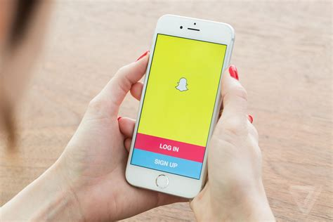 Find For Snapchat Snapchat Is Reportedly Buying A Search App For 100 Million The Verge