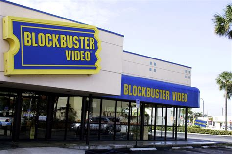 blockbuster at home plans blockbuster to close remaining us stores