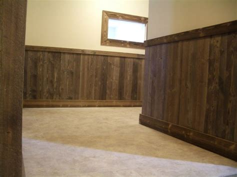 Pallet Wainscoting by 25 Best Ideas About Basement Wainscoting On