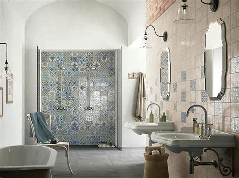 Supérieur Poser Faience Salle De Bain #4: Quel-type-de-carrelage-installer-dans-la-salle-de-bains-image_2.jpg