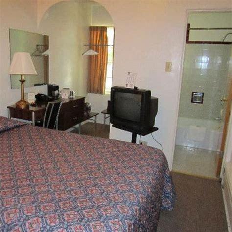 hidden cameras in bedrooms how to detect hidden cameras in room slide 2 ifairer com