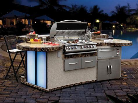 optimizing an outdoor kitchen layout hgtv optimizing an outdoor kitchen layout outdoor design