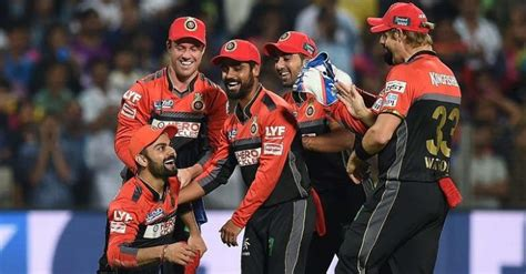 rcb all players 2017 virat kohli spotted joining his teammates in video posted