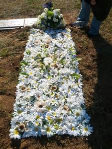 funeral phlet ideas 25 best ideas about grave decorations on cemetery decorations memorial day
