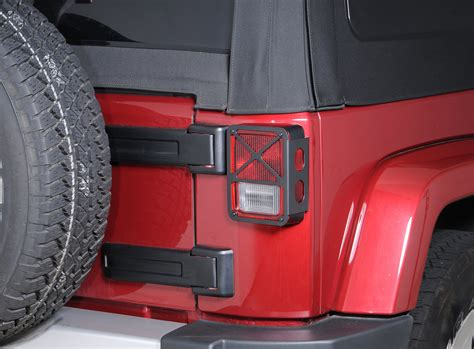 tail l guards jeep wrangler drake off road tail light guards for 07 18 jeep wrangler