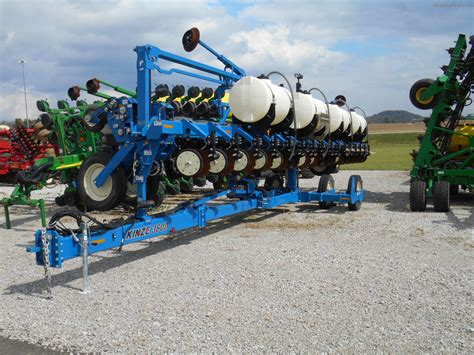 Kinze Planter by 2013 Kinze 3600 Planting Seeding Planters Deere