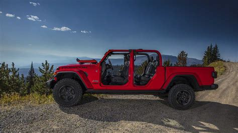 Jeeps New Truck by New Jeep Gladiator Is The Wrangler Truck You Ve Been