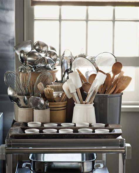 Kitchen Shelves Vs Cabinets Open Kitchen Shelves Vs Closed Cabinets The Style Files