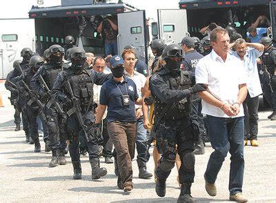 imagenes groseras de narcos capturados 44 narcos durante una fiesta familiar en