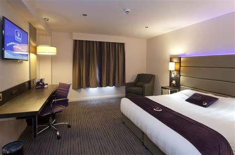 swinging bridge hotel trafford premier inn london city aldgate 伦敦