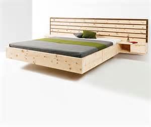 länger im bett durchhalten schlafzimmer schlafzimmer zirbe modern schlafzimmer