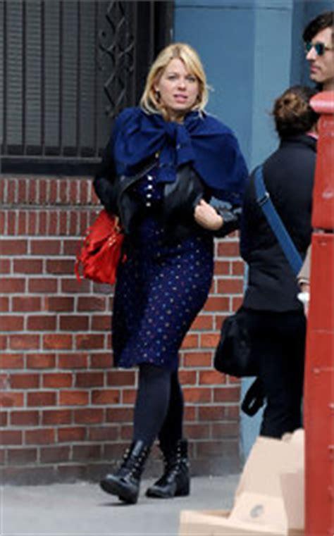 valensi blouse amanda de cadenet style fashion looks stylebistro