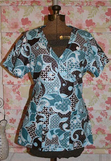 Cute Pattern Scrubs | cute scrub tops made using simplicity 4378 pattern