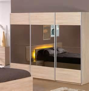armoire contemporaine 3 portes coulissantes coloris ch 234 ne
